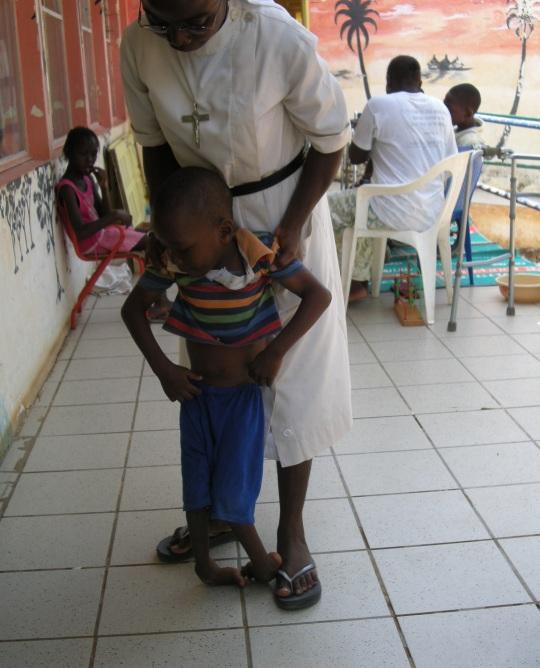 """Visite du centre """"L'Abri pour enfants handicapés"""", dans le quartier de Ouakam à Dakar (Sénégal)"""